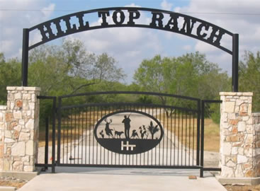 Hill Top Ranch - Custom Ranch Gate Entrance Sign - Pleasonton, TX