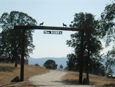 Barrs Ranch - Clovis, CA - Custom Ranch Gate Entrance Sign