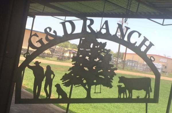G & D Ranch sign