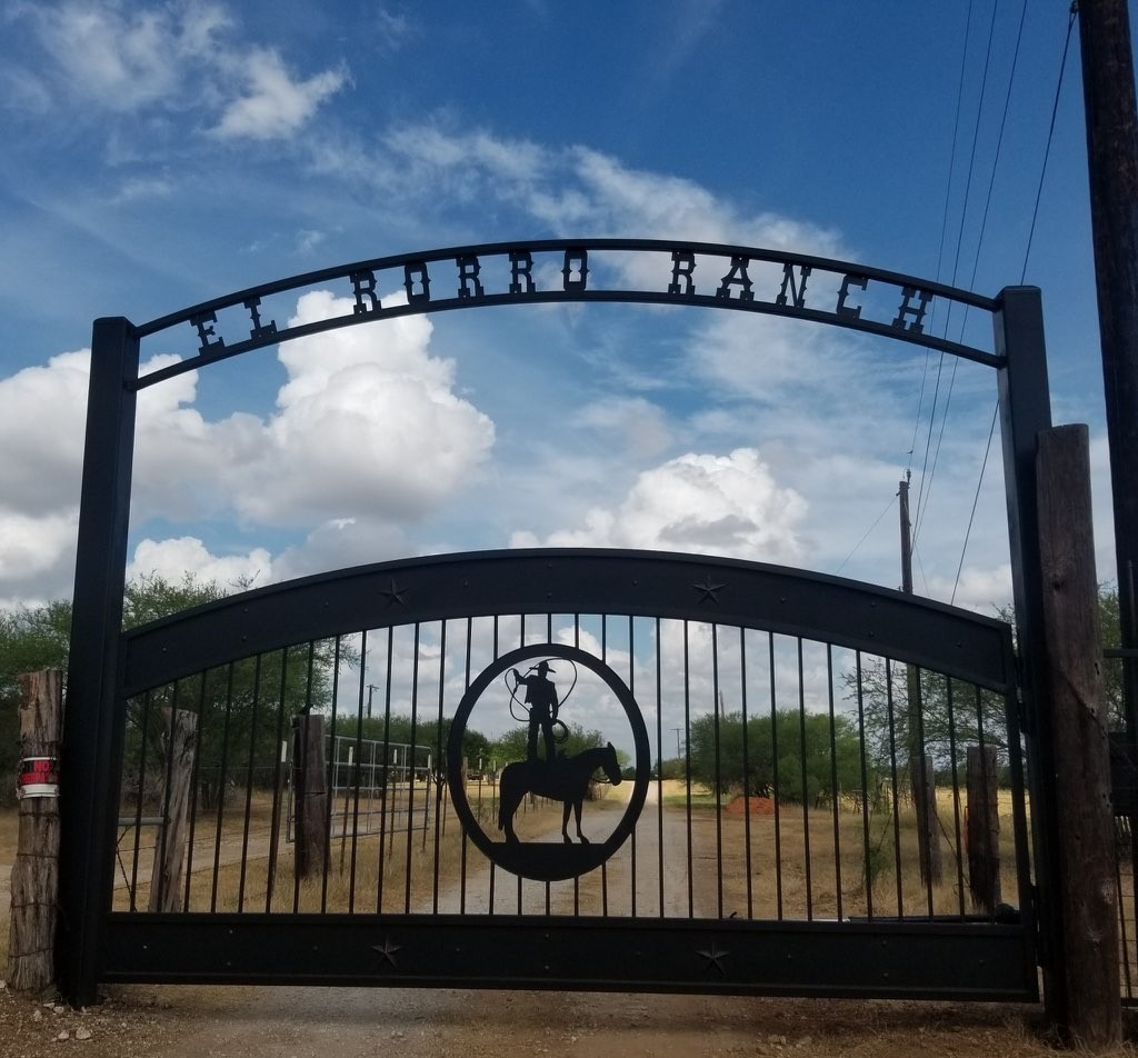 El Rorro Ranch Gate