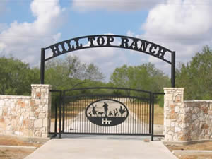 Ideas for custom metal ranch entrance gates for Ranch entrance designs